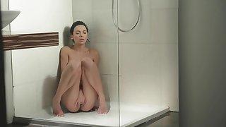 Brilliant girl Shalina Heavenly masturbates in the shower room