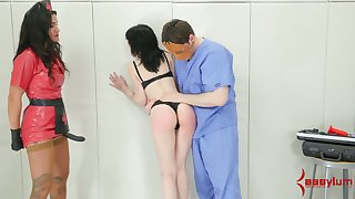 Submissive pallid bitch gets her holes fishy added to she gives a abnormal BJ