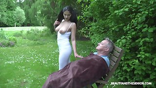 Ava Black and her friend are crazy enough to start sex connected with gentleness park