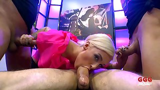 Blonde hottie Daisy Lee likes down play with more cocks within reach once