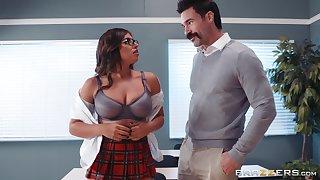 Ella Knox and her professor enjoy fianc