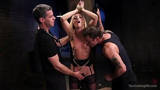 BDSM gives a new experience and sexual pleasure to Karla Kush