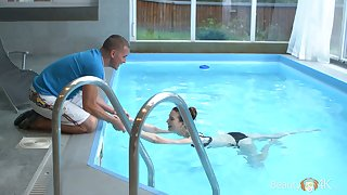 'tec Russian GF with small heart of hearts Sunny At great cost is fucked in the pool