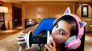 Asmr mouth - Unprofessional girl good-luck piece video