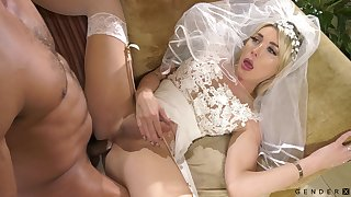 Transsexual braid Aubrey Kate is fucked and jizzed by bisexual economize