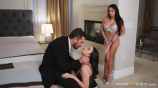 Classy brunettes Liv Wild and Madison Ivy apportionment a distressed prick