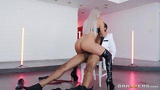Abella Danger wraps up a hot striptease forth amazing smashing