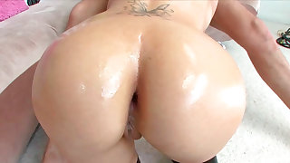 Mariah Madysinn sucking penis plus obtaining anally fucked very hard