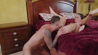 Young hearts are free as a result Quinton James fucks Zoe Bloom in bed