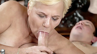 Buxom grown-up blonde BBW Lili gets the brush slutty mouth filled nearby cum